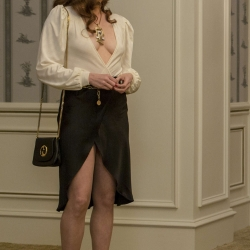 A sexy Amy Adams on American Hustle