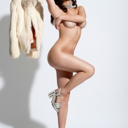 Amy Markham HOT Topless in GQ