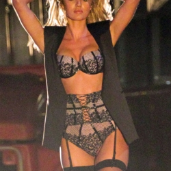 Candice Swanepoel in Sexy Black Linerie