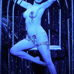 Dita von Teese Super Hot