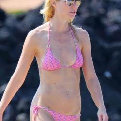Gwyneth Paltrow Shows Off Her Bikini Body
