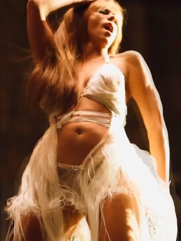 Jennifer Love Hewitt toutes ses scnes sexy - sextape de