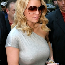 Jessica Simpson nipple pokes