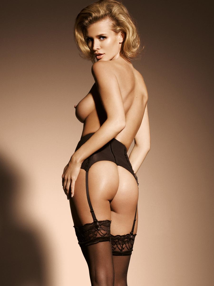 Joanna krupa topless