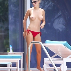 Joanna Krupa topless uncensored