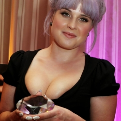 Kelly Osbourne big cleavage at black diamond