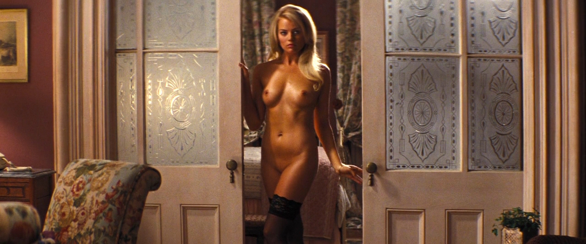 margot robbie wolf of wall street naked