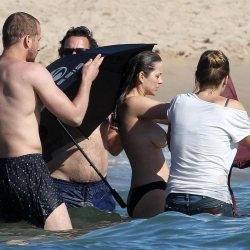 Marion Cotillard Topless on set