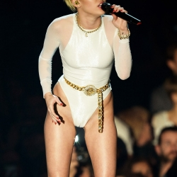 Miley Cyrus camel toe performance