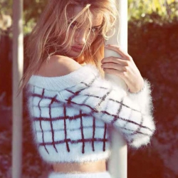 Rosie Huntington Whiteley Hot in Vogue