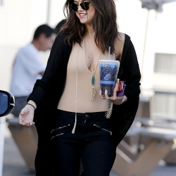 Selena Gomez shows off her cleavage
