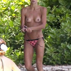 Sharni Vinson Topless in Hawaii