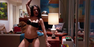 Lisa Edelstein in Girlfriends' Guide to Divorce