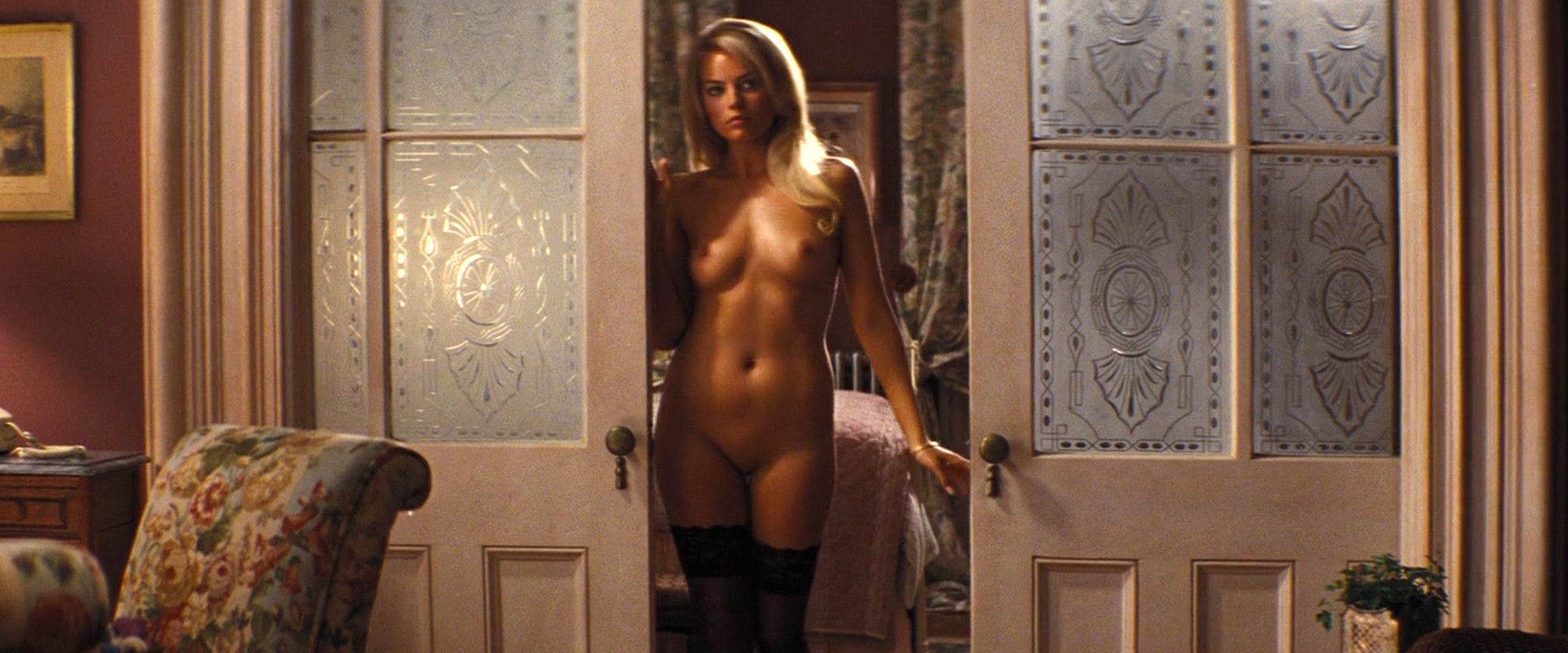 Margot Robbie nude quickly