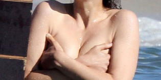 Marion Cotillard Topless on set of Rust and Bone