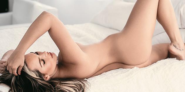 Melissa Giraldo Topless Treats