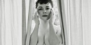 Rose McGowan Poses Nude