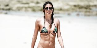 Elisabetta Gregoraci bikini in Kenya