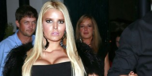 Jessica Simpson cleavy