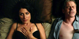 Lisa Edelstein and Beau Garrett in Girlfriends' Guide to Divorce